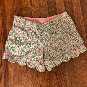 Lilly Pulitzer Scallop Shorts. Size 4.